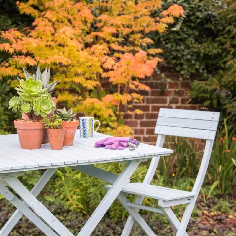 Step by Step – Finished shot of revamped garden furniture