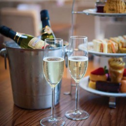 Afternoon Tea and Prosecco at Perrywood