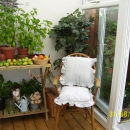 Garden room ideal for ripening produce at this time of year. Cindy & John