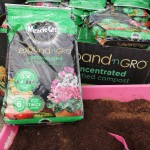 Miracle Gro Expand & Grow compost